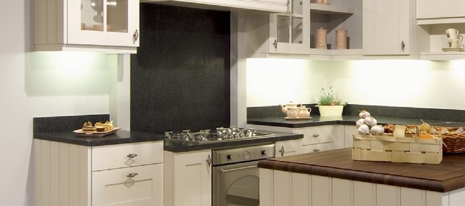 Dovy Keukens Kleuren : Richt je keuken functioneel in met deze praktische tips