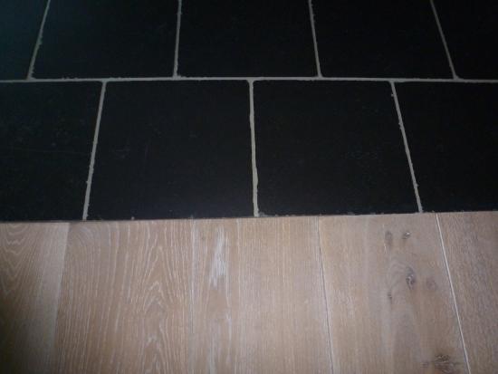 Laminaat ononderbroken leggen bouwinfo - Scheiding houten ...