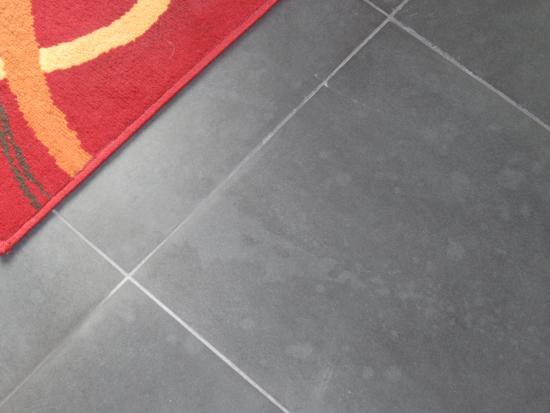 Vloertegels Keuken Verwijderen  Verwijderen lijmresten egaline oude vloer
