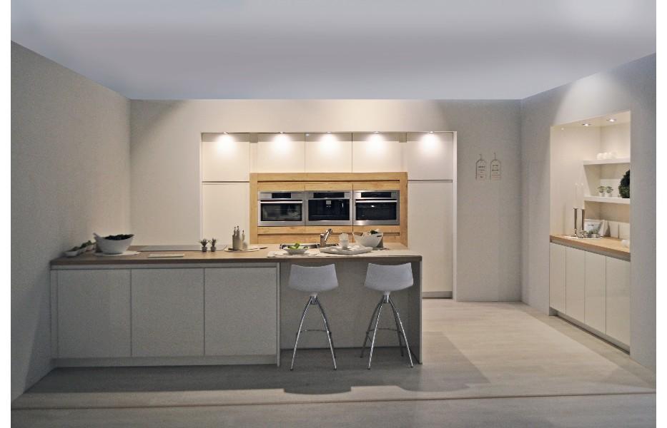 Landelijke Keuken Schouwen  Klassieke keukens beleef je bij keukenhuiz in de westereen friesland