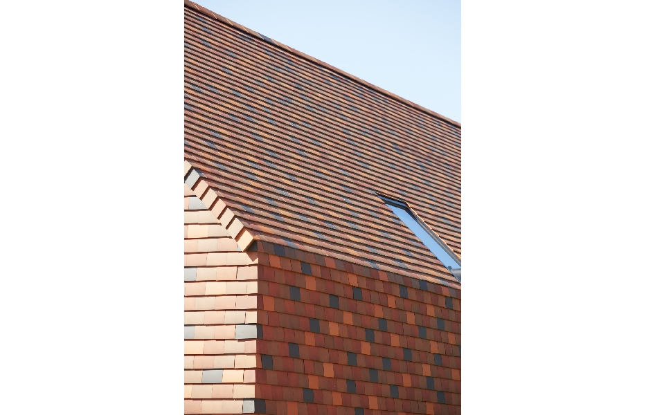 Een hellend dak met pannen: Mooi, economisch en ecologisch  Bouwinfo