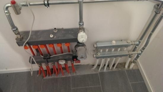 Verwarming combinatie vloerverwarming en radiatoren bouwinfo - Een kamer regelen ...