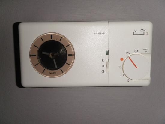 Aeg thermostaat vloerverwarming verwarming van het huis for Zuinige elektrische verwarming met thermostaat