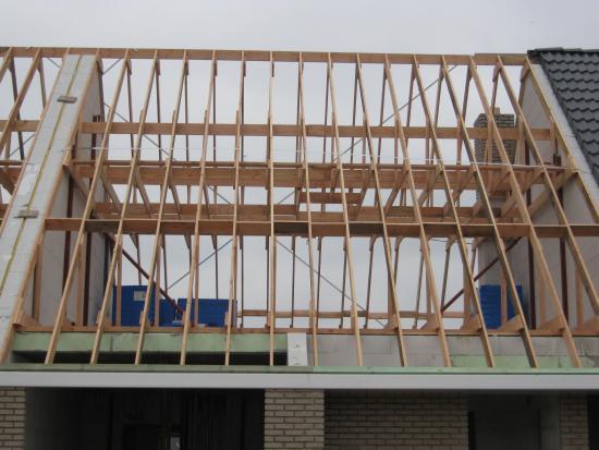 balken zolder vloer steun voor dak?   Bouwinfo