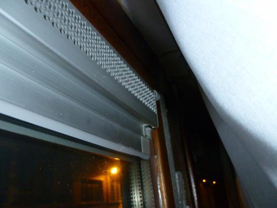 Vaak Geluidsoverlast: Mechanische ventilatie boven het raam | Bouwinfo YZ46