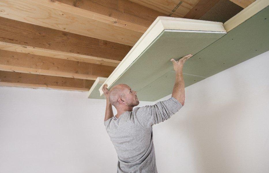 hoe kan ik het plafond van mijn kruipkelder isoleren