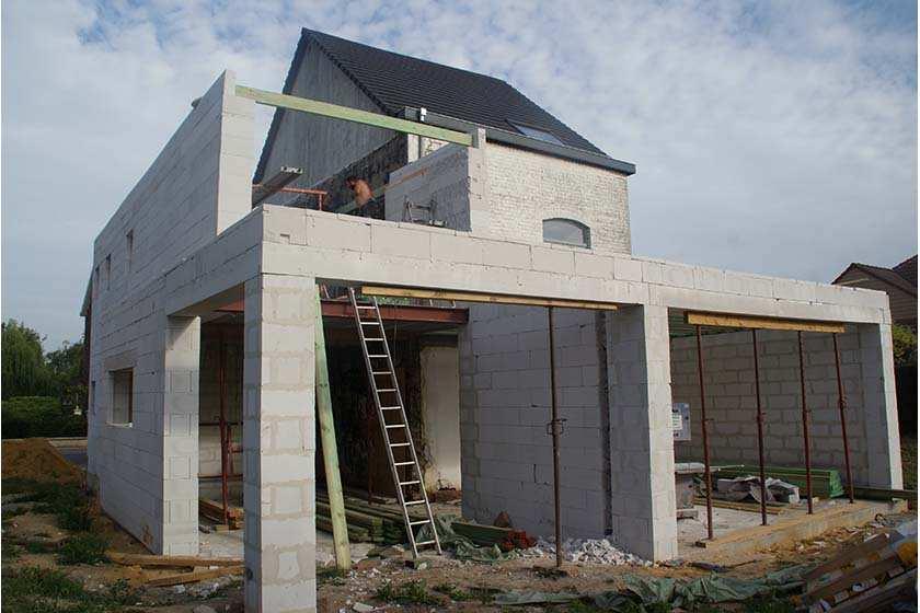 Cre er in no time een aanbouw met cellenbeton bouwinfo for Energiezuinig huis bouwen
