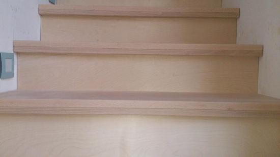 Zelf plaatsen houten trap bouwinfo for Houten trap behandelen